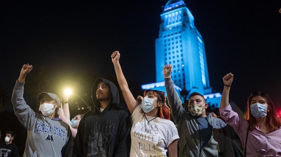 Smrť Afroameričana pri policajnom
