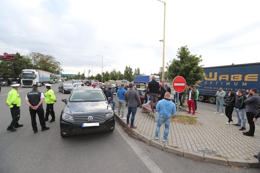 Protestujúci sa ráno zišli