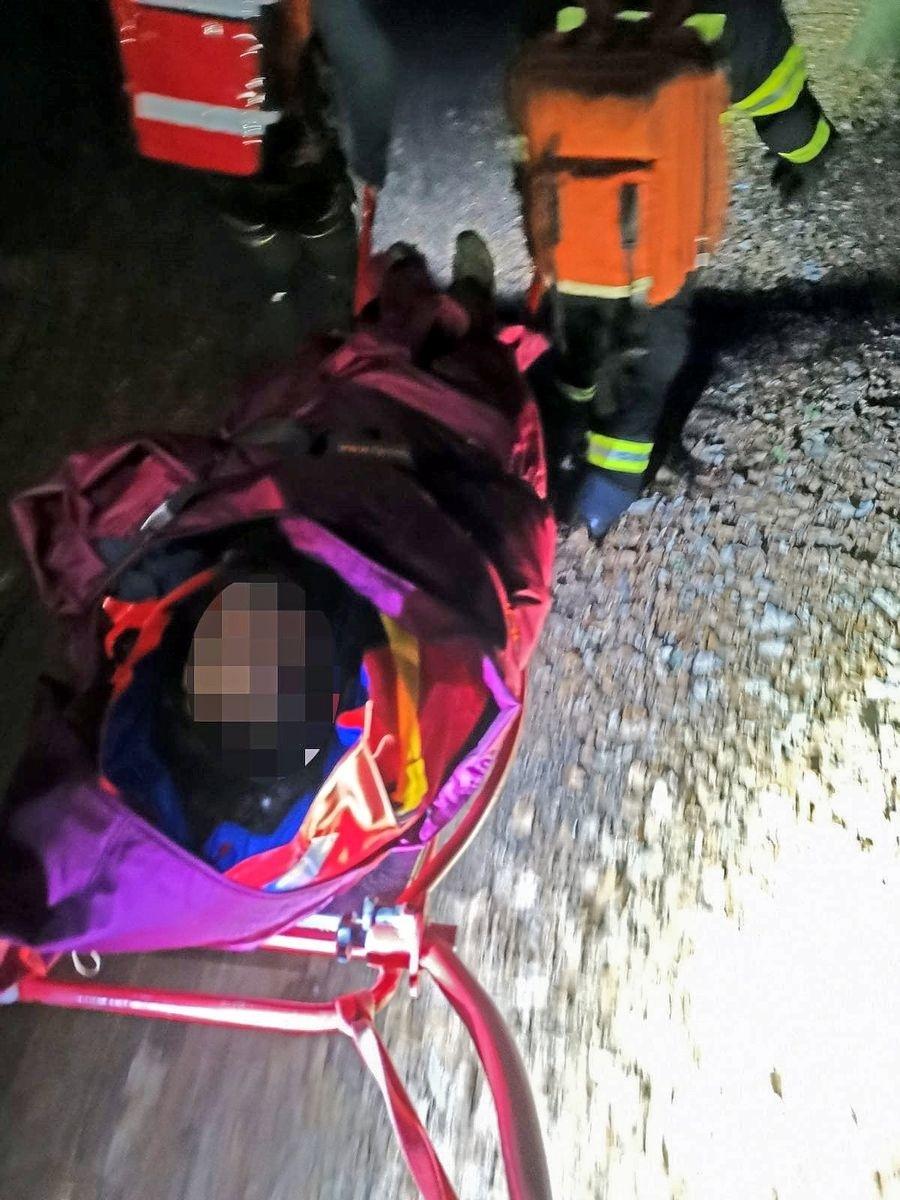 Vážne zraneného muža zniesli