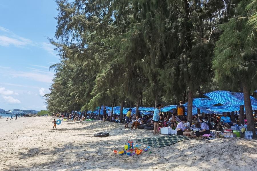 Niektorí obyvatelia Thajska slávili
