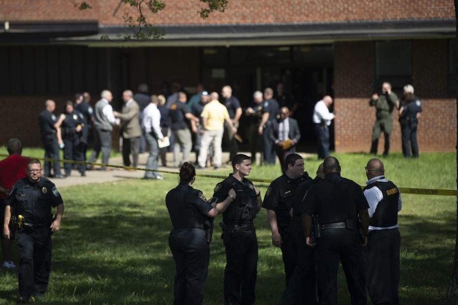 Polícia strednú školu Austin-East