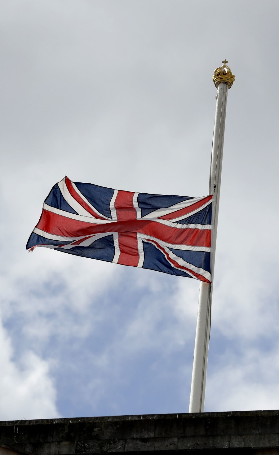 Vlajka na pol žrde.