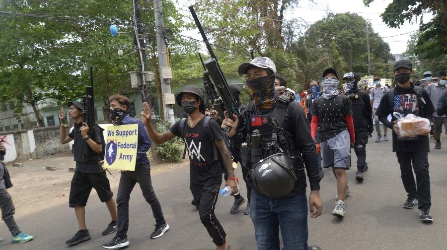 Demonštrácie v Mjanmarsku pokračujú.