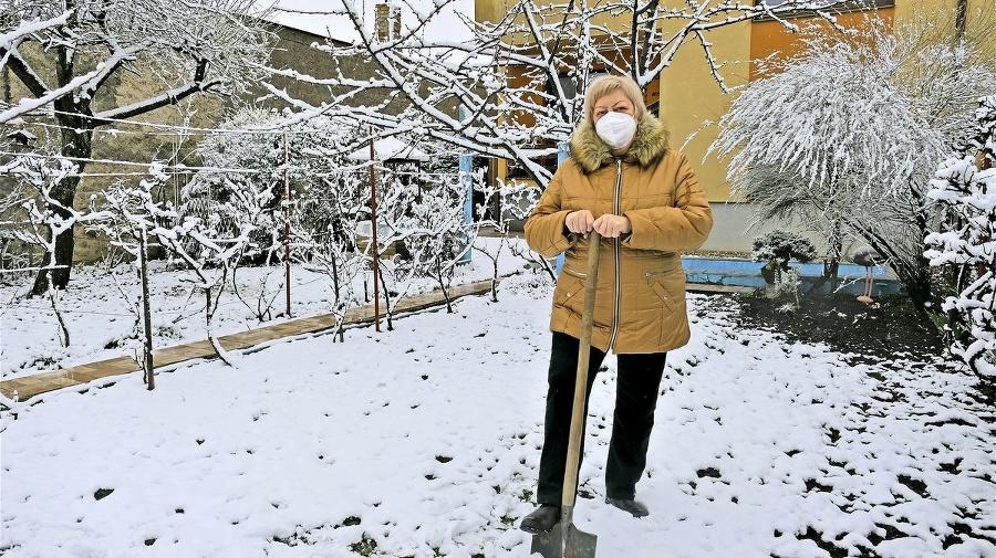 Zuzana (69) chcela pohnojiť