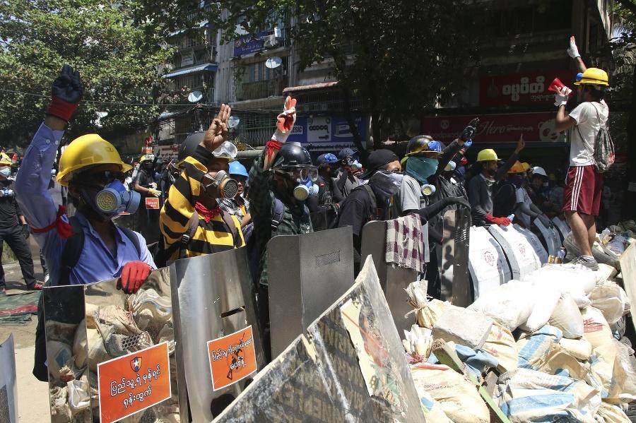 Nepokoje v Mjanmarsku si