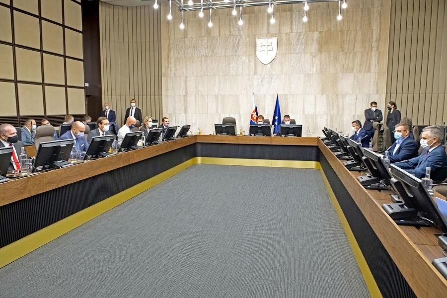 Tretina vlády má COVID-19