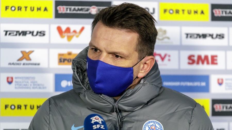 Na snímke tréner slovenskej