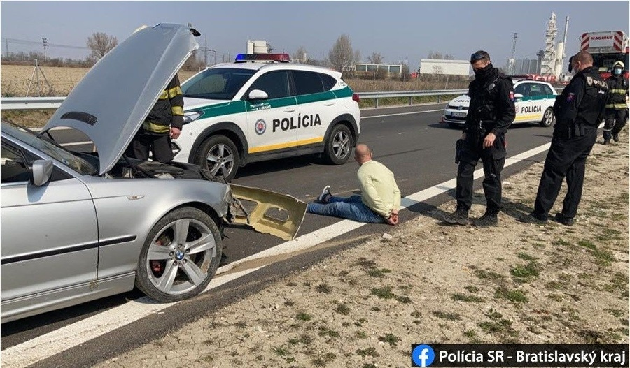 Vodič nereagoval na policajné