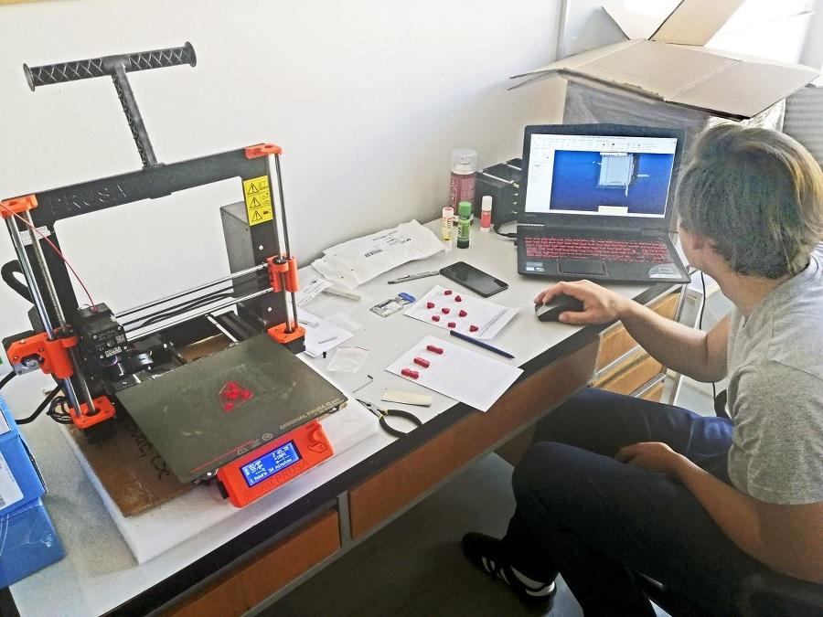 Na 3D tlači držiakov