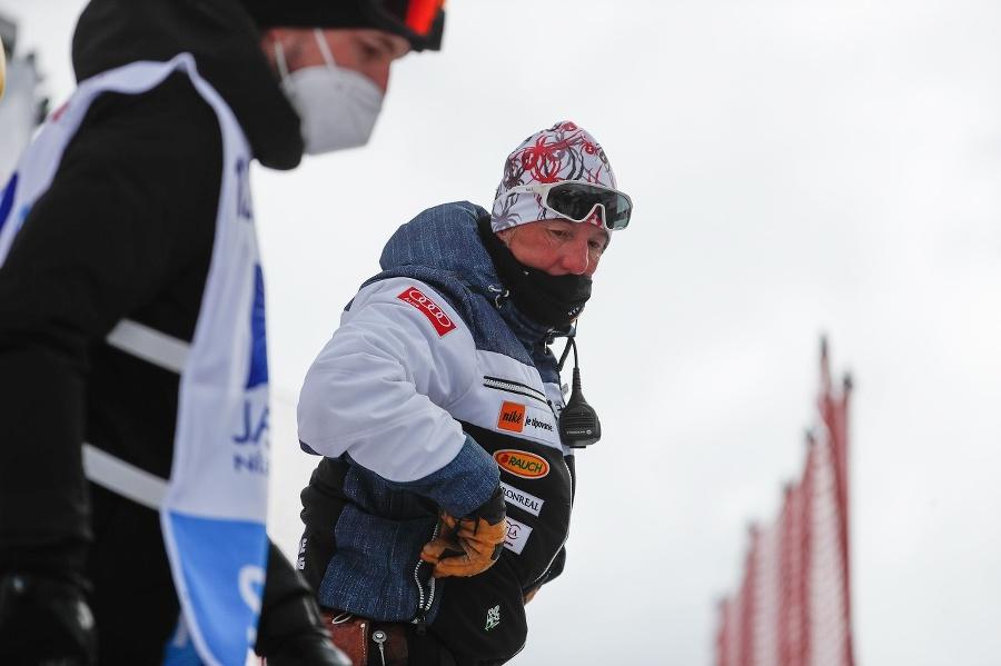Tréner Petry Vlhovej, Livio
