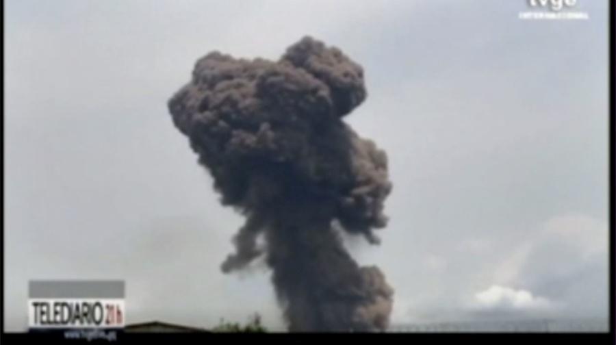 Výbuchy nastali v skladoch