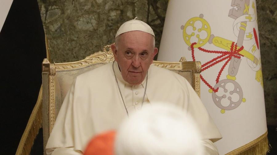 Pápež František počas stretnutia