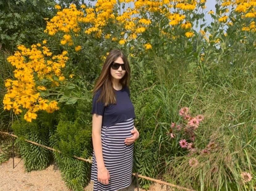 Lucie s tehotenským bruškom.