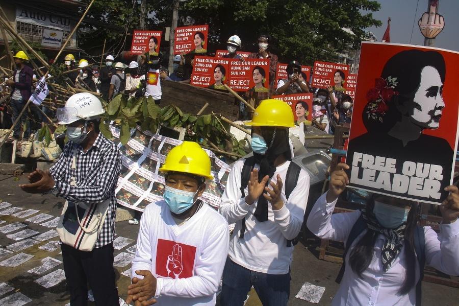 V Mjanmarsku sa vystupňovali