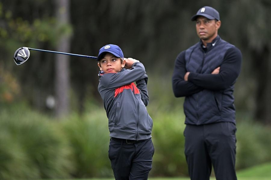 Woods so svojim synom