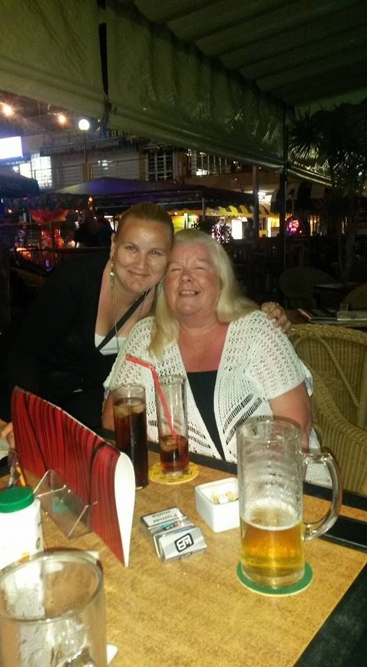 Linda s partnerovou mamou.