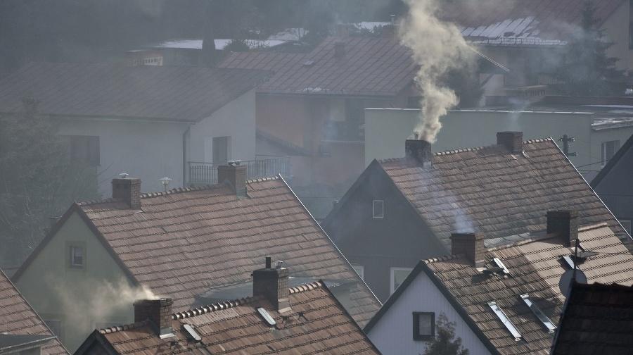 Domy i brudny dym