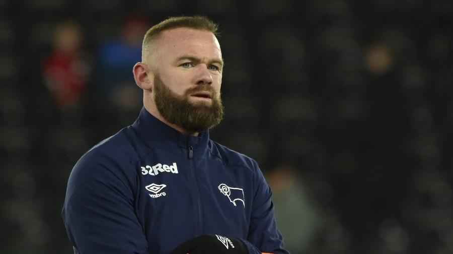 Rooney žiada zrušenie VAR.