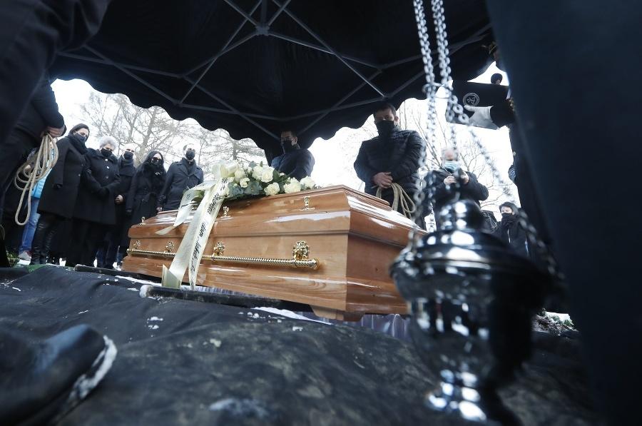 Najbližšia rodina pri hrobe