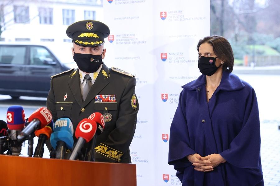 Ministerka Kolíková a odstupujúci