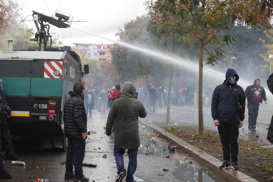 Protest ultras fanúšikov v