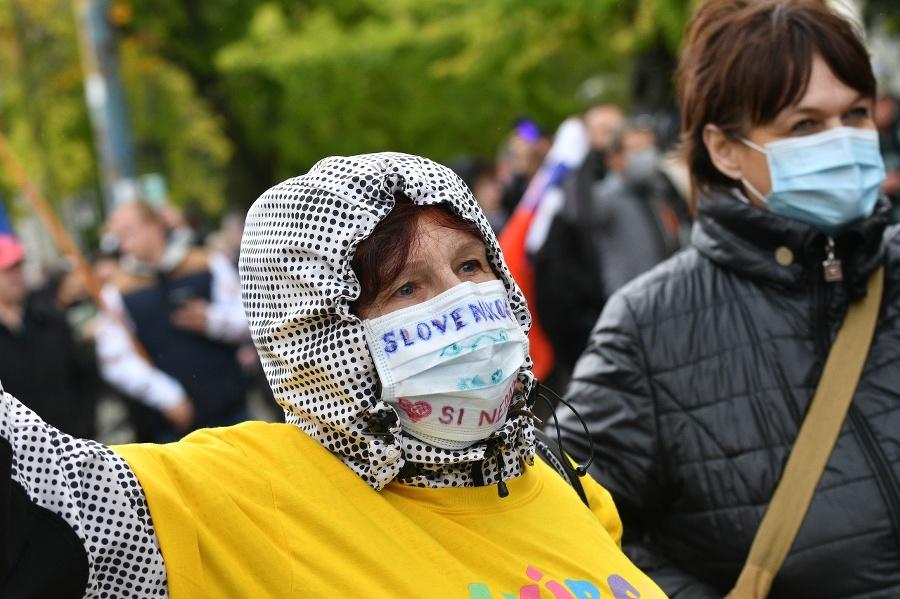 Medzi ultras fanúšikmi protestovali