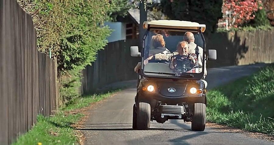 Obľúbený golfový vozík, na