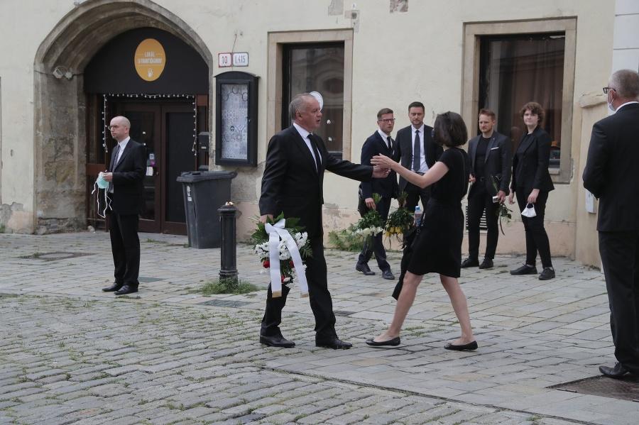 Exprezident Andrej Kiska prichádza