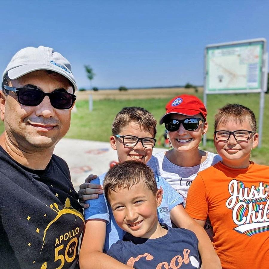 Manžel Mirko a synovia sú pre moderátorku najväčším šťastím a oporou.