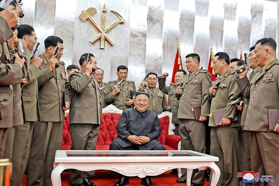 Kim sa medzi vojakmi