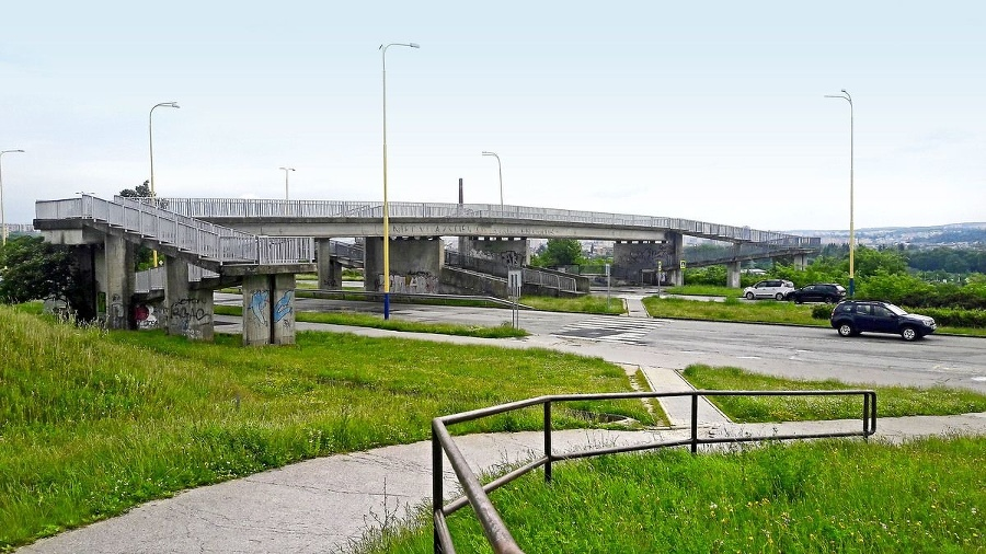 Most, ktorý nevedie nikam