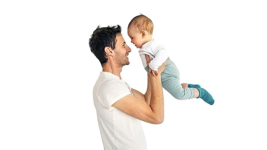 Oteckom zaniká nárok na