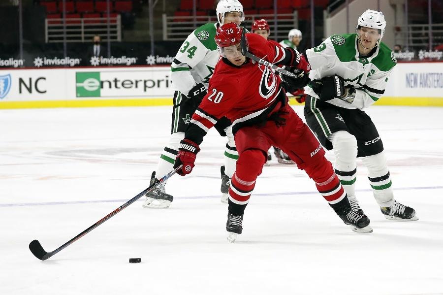 Hokejista John Klingberg (3)