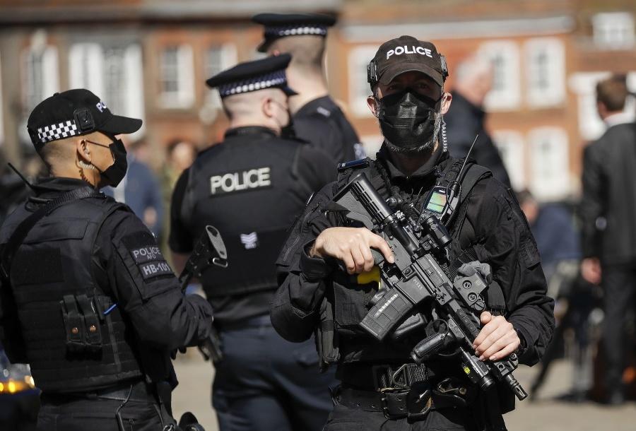 Policajné zložky.