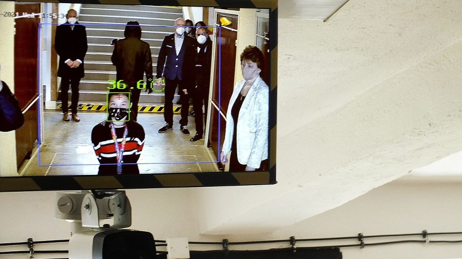 Zuzane (9) na monitore