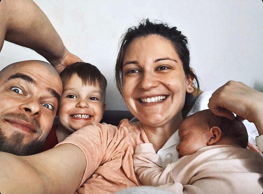 Šťastná rodina si užíva