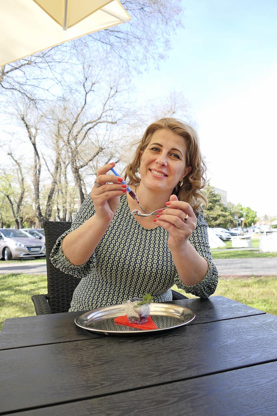 """Zuzana (45) Sputnik V: """"Napriek všetkému mám jediný vedľajší príznak, chuť po živote, nič iné som nespozorovala."""""""