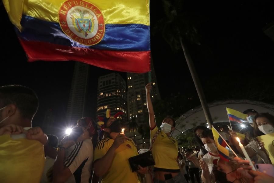 Protesty proti vláde