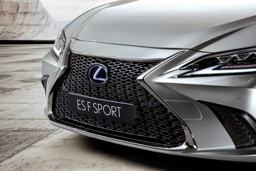 Lexus F Sport Edition – prémiová trieda so športovým duchom.