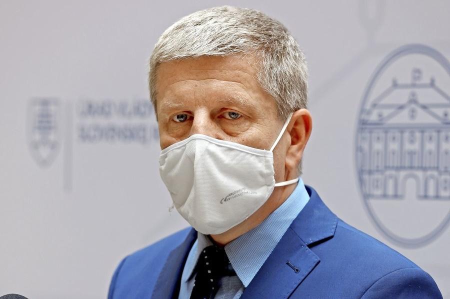 Zrušenie stavu núdze podporil aj minister zdravotníctva.