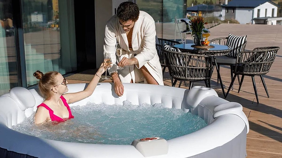 Doprajte si luxusný zážitok vo vlastnej nafukovacej vírivke.