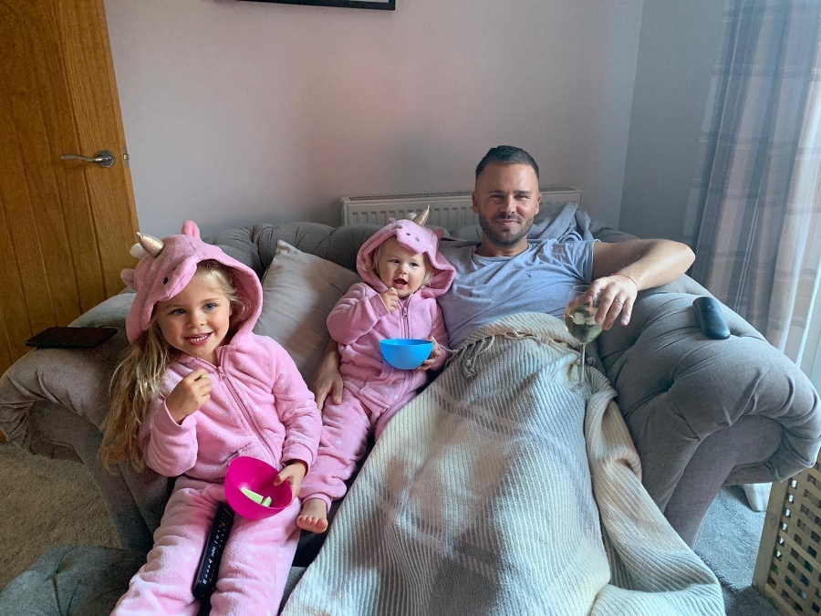 Joe Holtham s deťmi.