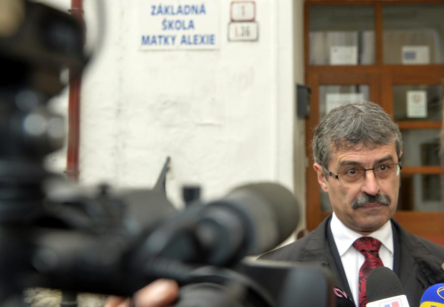 Exminister školstva a exprimátor
