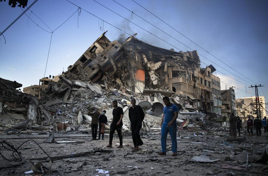 Zničená výšková budova, kde