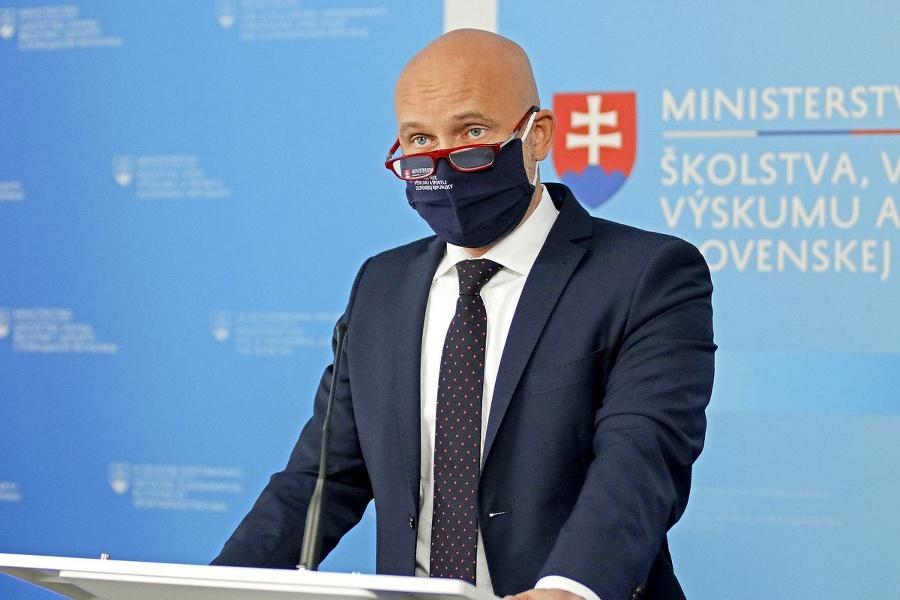 Šéf rezortu Branislav Gröhling