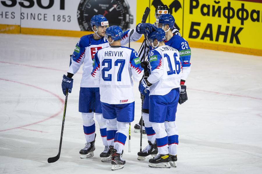Na snímke slovenskí hokejisti,