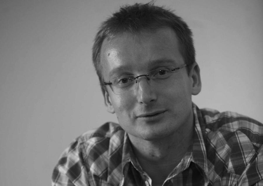 Smutná správa: Zomrel známy športový komentátor Andrej Miklánek († 48) -  Fotografia č.1 | Nový Čas