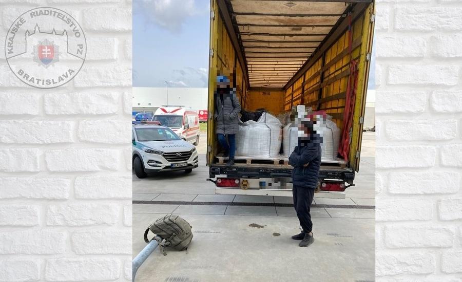 Polícia zaistila v Štúrove