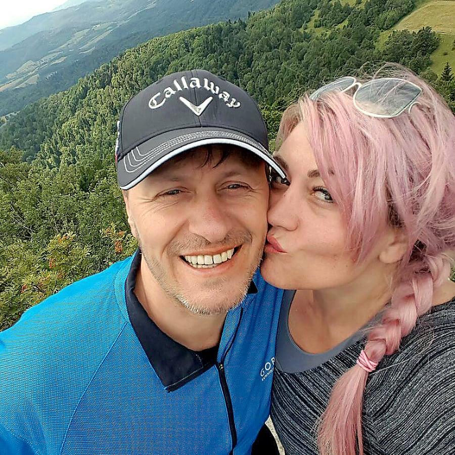 Manželka Andrea sa mu