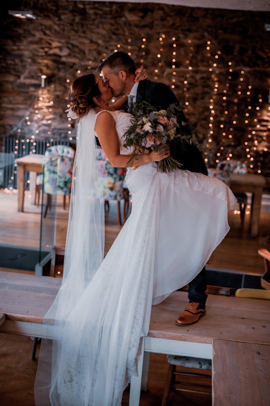 Svadbu si skutočne užili